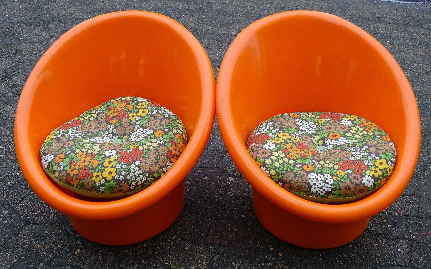 Ganz und zu Extrem 2 kl. Kunststoff-Sessel, dänisches Design - Angebote der &FP_13